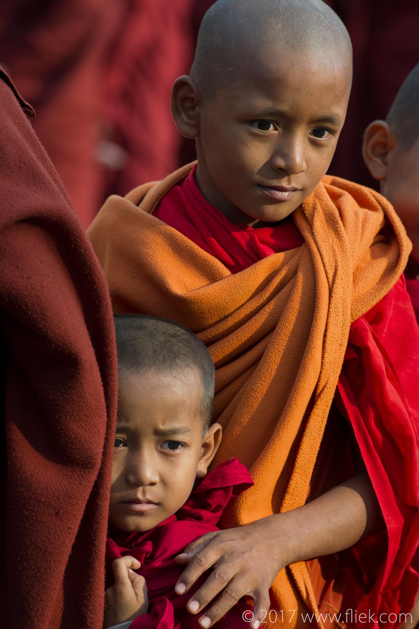 Magical mysterious Myanmar... Ananda pagoda festival monks